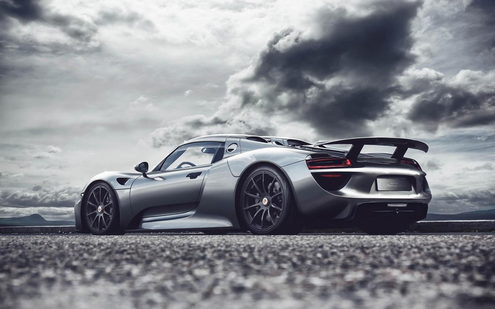 Porsche-918-Wallpaper