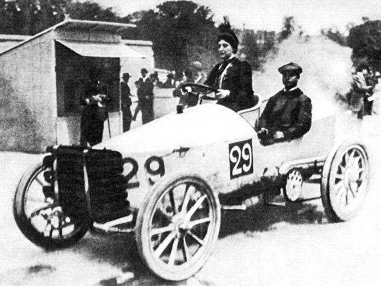първата жена в автомобилизма