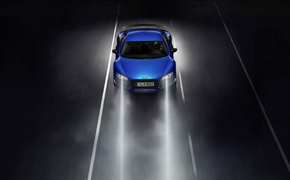 Farbe: Arablau Kristalleffekt Verbrauchsangaben Audi R8 5.2 LMX:Kraftstoffverbrauch kombiniert in l/100 km: 12,9;CO2-Emission kombiniert in g/km: 299